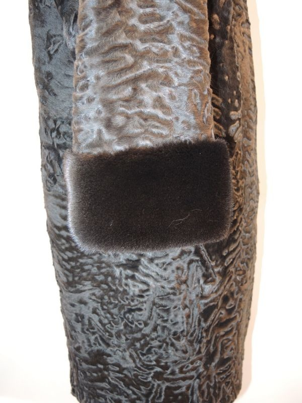Каракулевая шуба с отделкой мехом норки в Минске