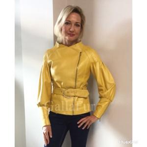 желтая кожаная куртка фото