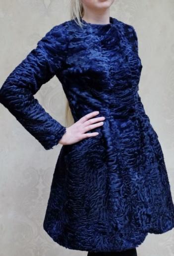 Пальто из каракульчи фото