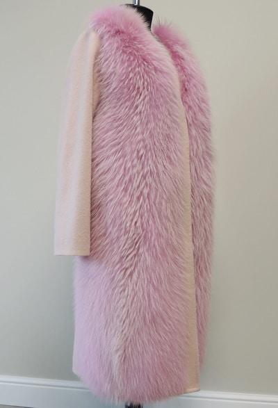 Пальто из кашемира с енотом в Минске